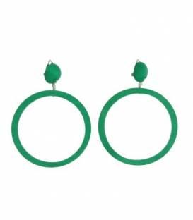 Groene oorclips met ronde houten hanger
