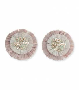 Roze oorclips met raffia bloem,pailletten en kraaltjes